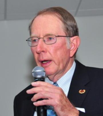 John Anderson, UMRA President for 2010-2011, introduces September 2010 speaker