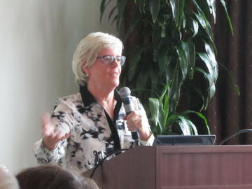 Katherine Fennelly spoke Oct 25 about how the PDGR grant helped adapt her e-learning course for others