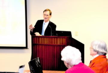Ron Anderson, Webmaster, leading February UMRA Computer and Internet Workshop